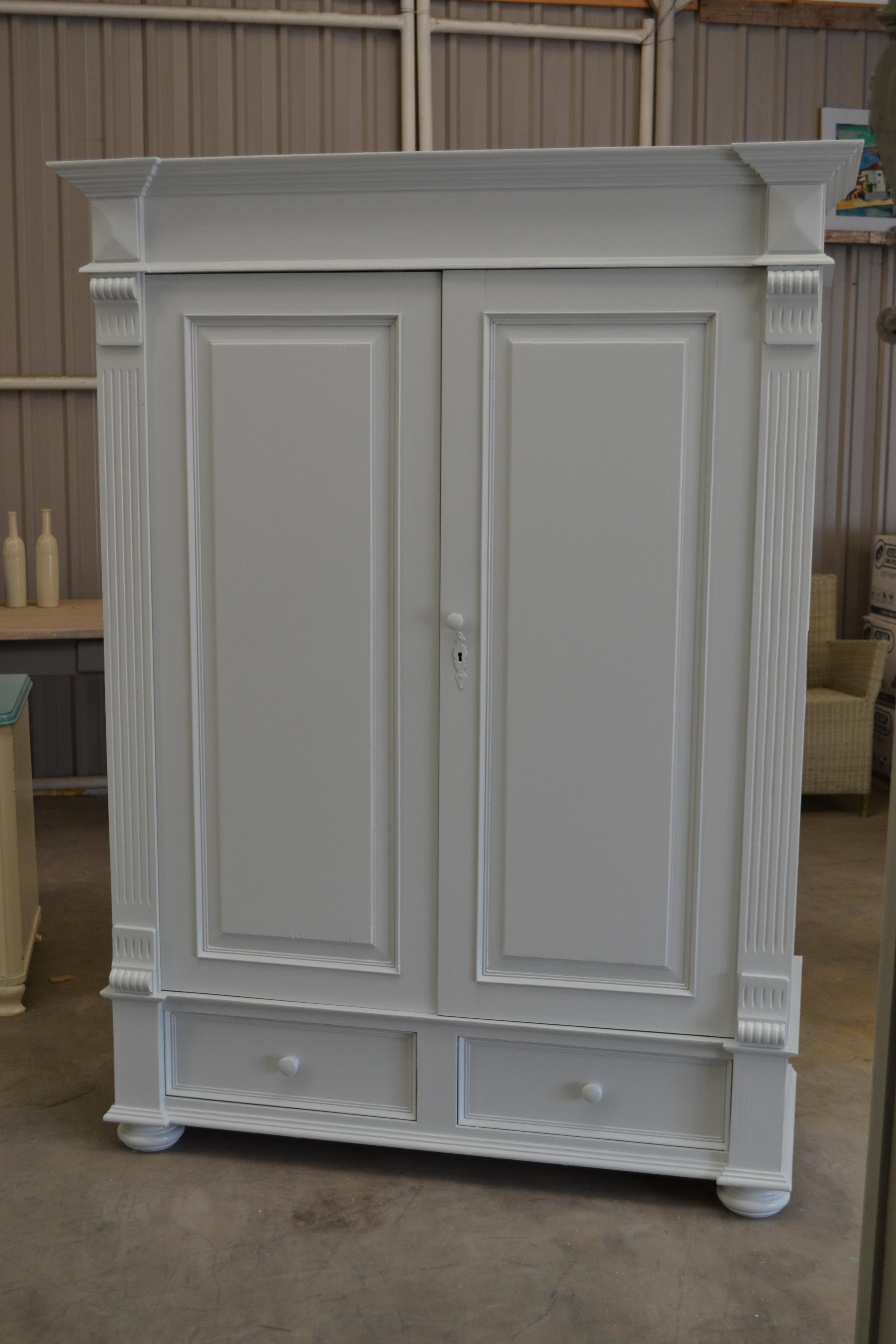 Antieke Witte Linnenkast.Grenen Brocante Kast In Wit Verkocht De Houtconnectie